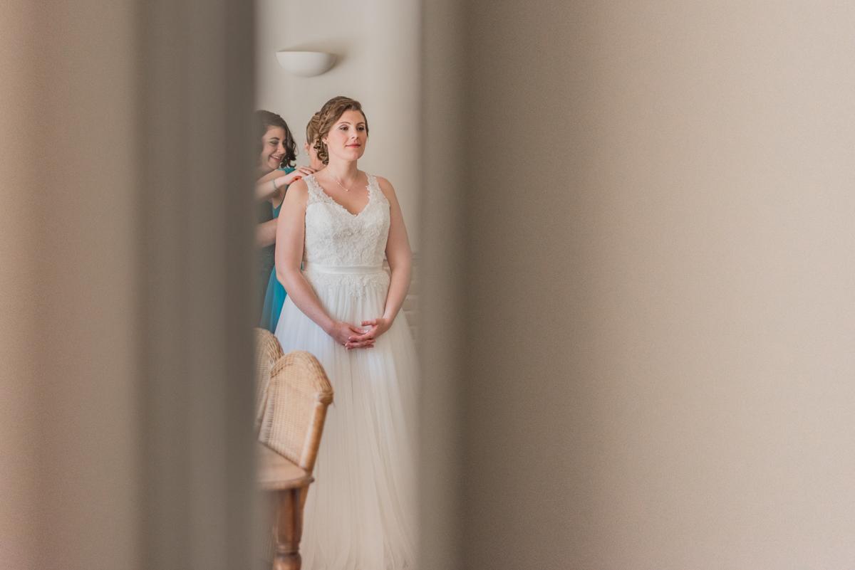 photographe mariage provence vaucluse domaine blanche fleur préparatif mariée robe demoiselle d honneur